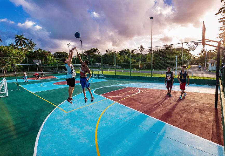 Баскетбольная площадка в Сосуа