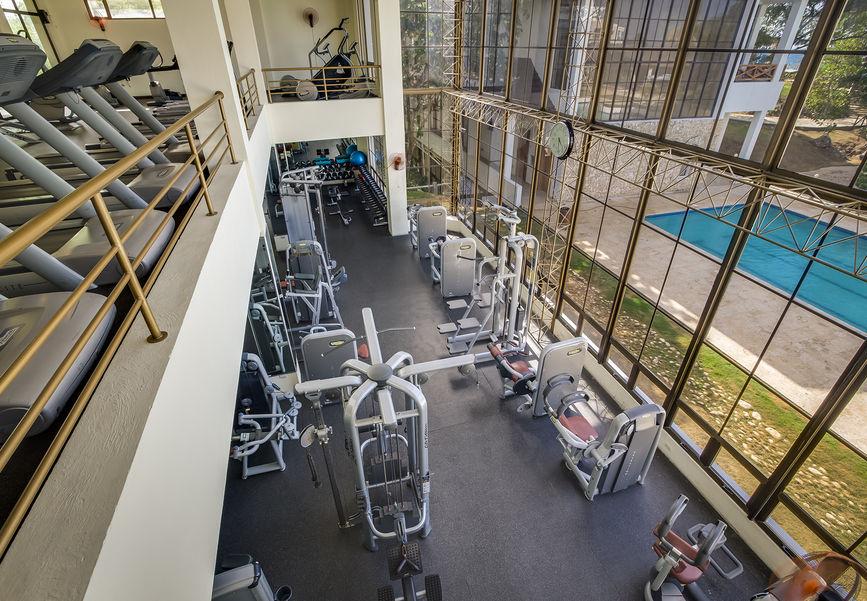 Двухэтажный фитнес-центр