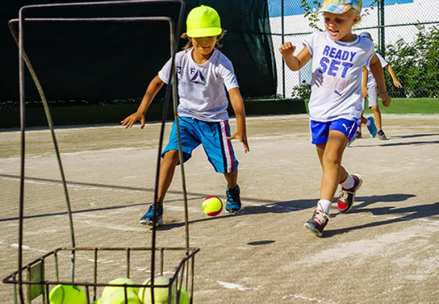 Теннис для самых маленьких