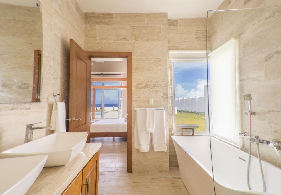 Oceanfront 3-bedroom villa