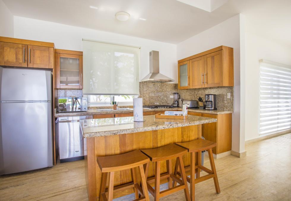 Oceanfront 4-bedroom villa type 1