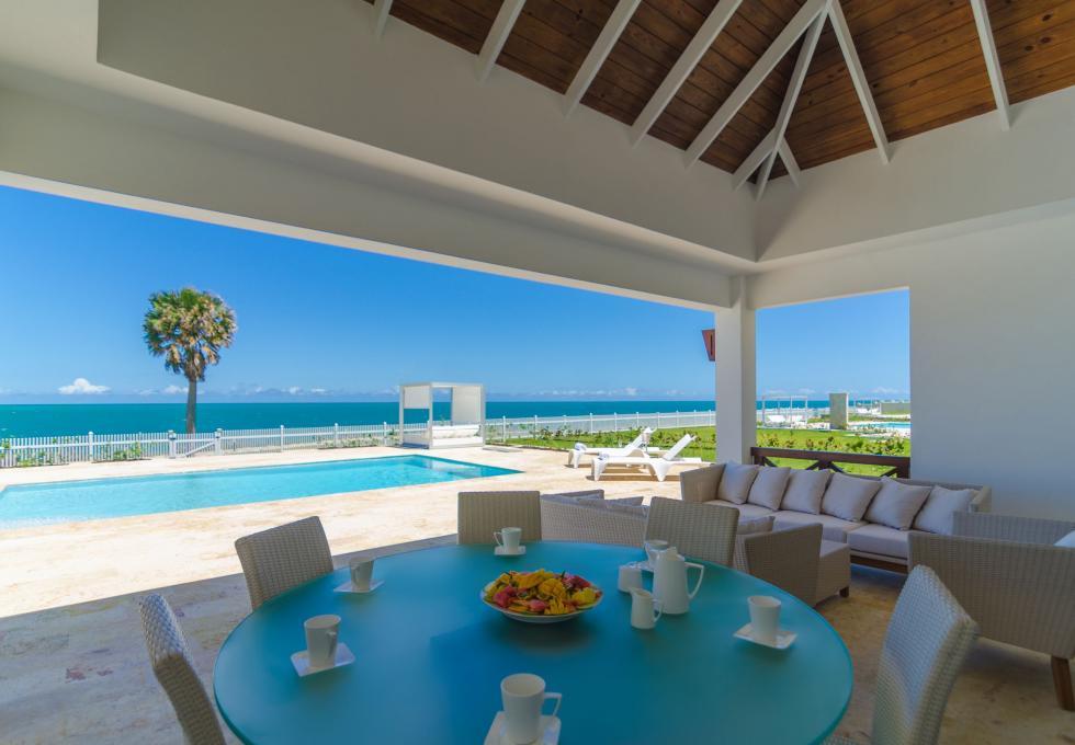 Oceanfront 4-bedroom villa type 2